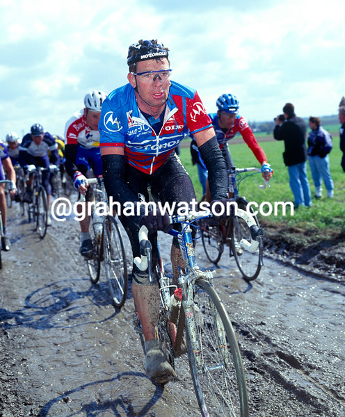 Sean Yates in the 1995 Paris-Roubaix