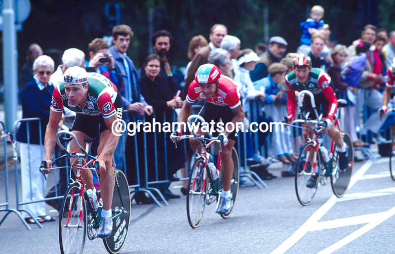 Sean Yates leads 7 Eleven in the 1990 G.P. Liberazione