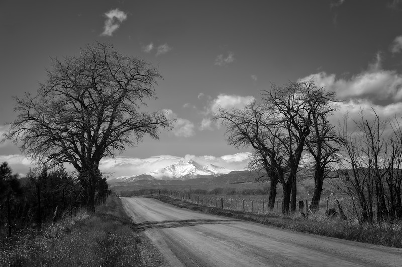 20170329_KW_LN_Longs_Peak_From_Backroads