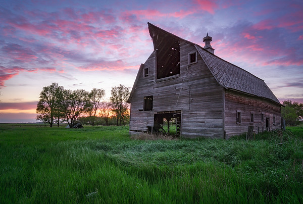 20150529KW_TLYL_South Dakota Abandoned Pole Barn