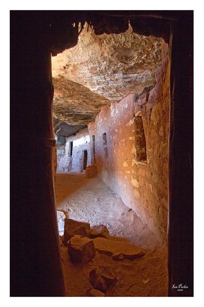 Moonhouse Ruin Interior_18x28