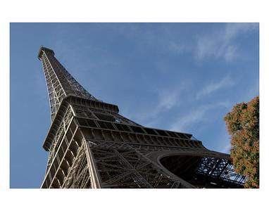 Tower De L'Eiffel