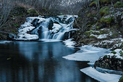 Holmvåg waterfall