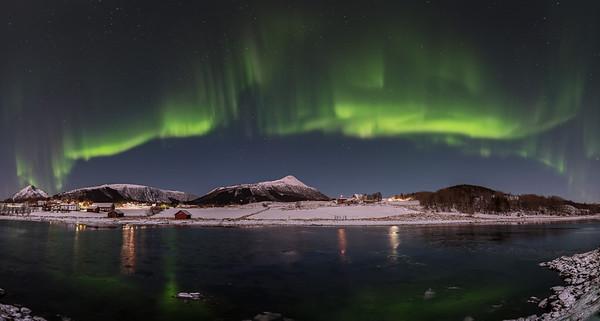 Monsholmen aurora panorama