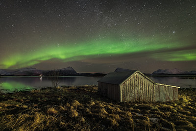 Åkerneset boathouse northern light