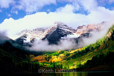 maroon bells, foggy sunrise autumn