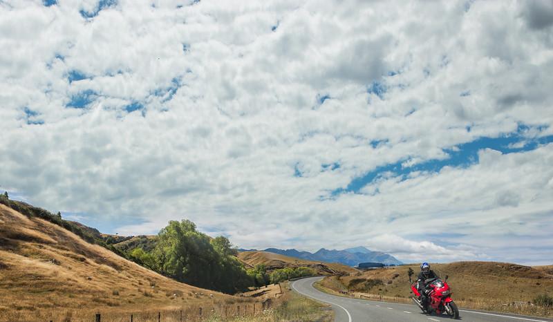 Motorcycle+in+the+road.jpg