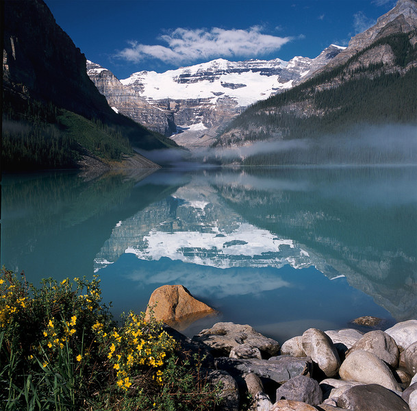 Lake-Louise-Morning