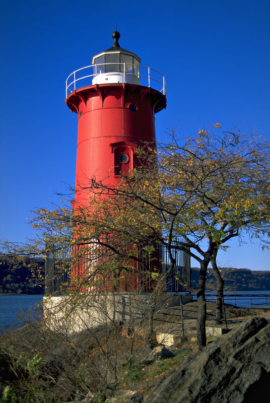 Little Red Lighthouse Stands Tall