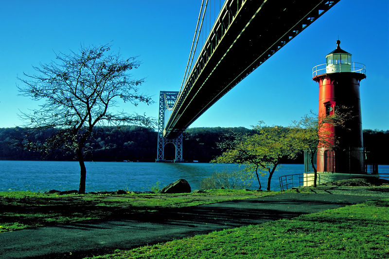 Little Red Lighthouse (Jeffrey's Hook)and the Big Gray Bridge.<br /> Just like the Children's Book!