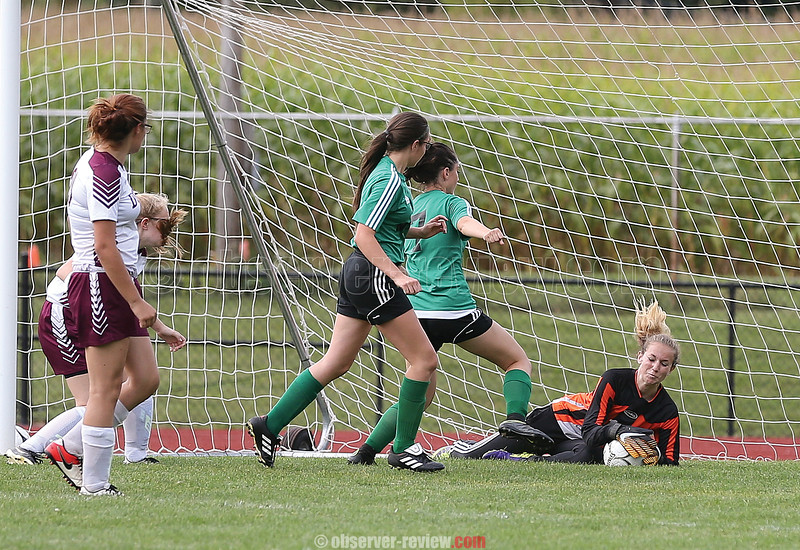 Karynna Rutledge makes a save for Dundee in the game against Naples, Wednesday, Sept. 13.