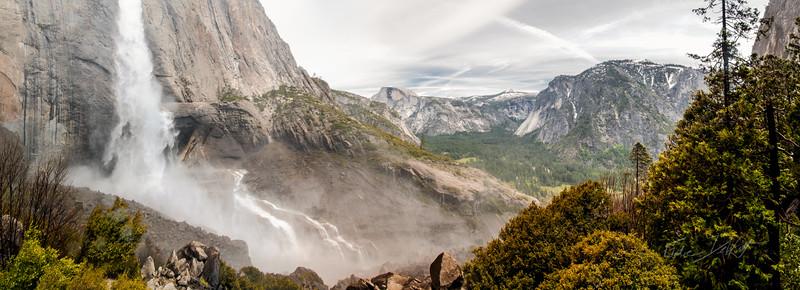Yosemite Falls_Panorama_2010