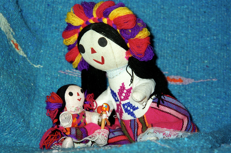 Mexican Dolls - Mother and Daughter