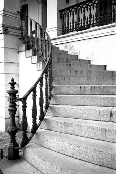 New Orleans - Spiral Stairs bw