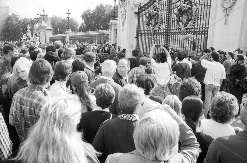 Gates to Buckingham Palace, London, England, 21 August, 1997, the day Princess Diana was killed In Paris.