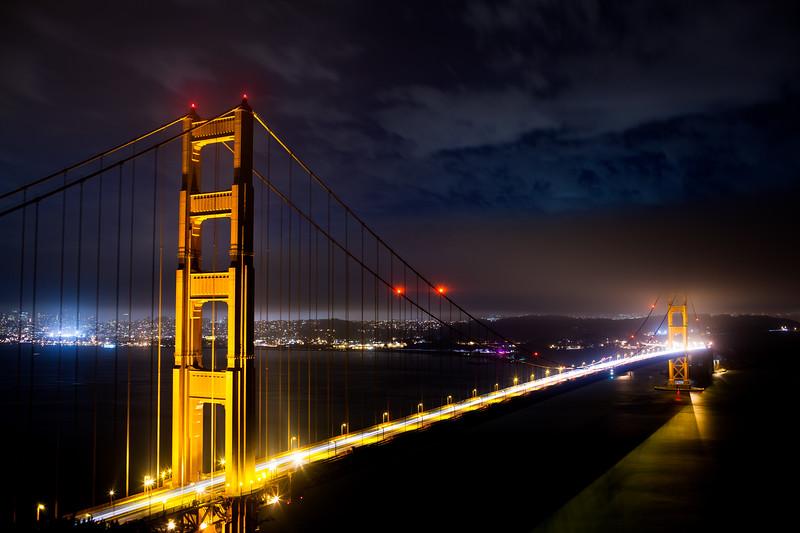 Light Streaks on the Golden Gate