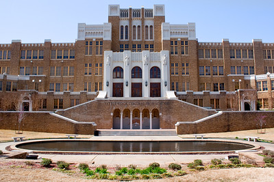 Little Rock Central High School.  1500 Park Street  -  Little Rock, AR Nine African-American students, known as the Little Rock Nine, were denied entrance to the school in defiance of the 1954 U.S. Supreme Court ruling ordering integration of public schools. This provoked a showdown between the Governor Orval Faubus and President Dwight D. Eisenhower that gained international attention. Ernest Green (b. 1941), Elizabeth Eckford (b. 1941), Jefferson Thomas (b. 1942), Terrence Roberts (b. 1941), Carlotta Walls LaNier (b. 1942), Minnijean Brown (b. 1941), Gloria Ray Karlmark (b. 1942), Thelma Mothershed (b. 1940), and Melba Beals (b. 1941). Ernest Green was the first African American to graduate from Central High School.