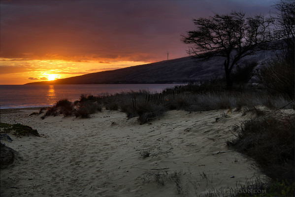 Sunset near Kiheh, Maui, Hawaii