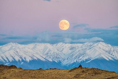Moonrise in Mongolia