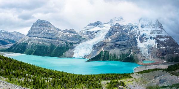 Mt Robson and Berg Lake 2-1 Panorama