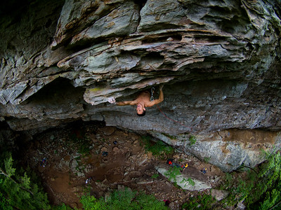 Anthony Meeks climbing near Chattanooga, Tennessee