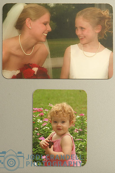 """Photo Refrigerator Magnets Refrigerator magnets come in two sizes: 3.5 x 5"""" 2.5 x 3.5"""" Each magnet has rounded corners and a matte finish.  The strong magnet will not allow it to slip on the refrigerator door. They are flexible, so they can conform to somewhat curved surfaces."""