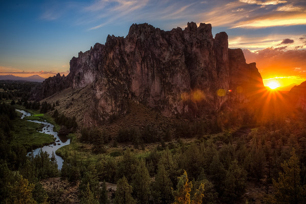Sunrise in Smith Rock