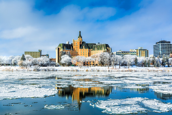 Saskatoon Hotel in Winter (SA1327)
