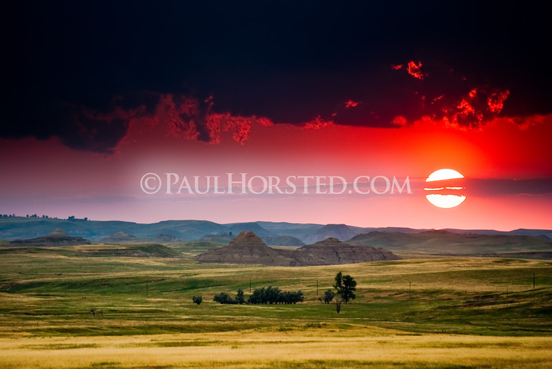 The Black Hills Custer Expedition trail of July 14, 1874, winds through these badlands (from right to left) just north of Gilbert Road, southwest of Buffalo, SD. (photo by Paul Horsted/dakotaphoto.com)