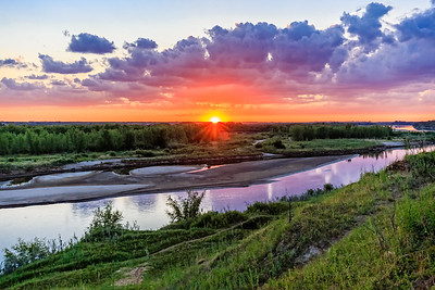 Sunset over the Saskatchewan River (SS1502)