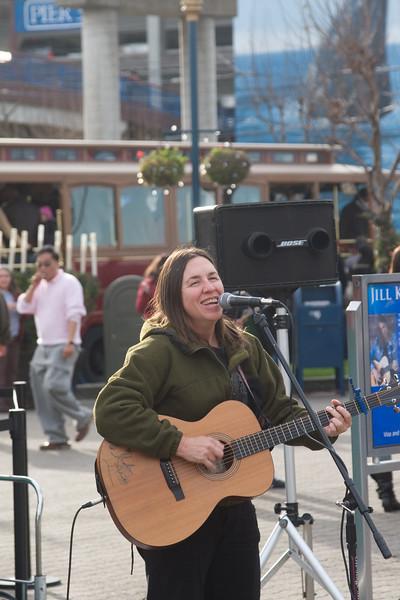 Street performer at Pier 39