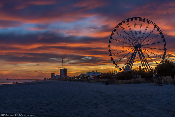 Skywheel Sunset In January