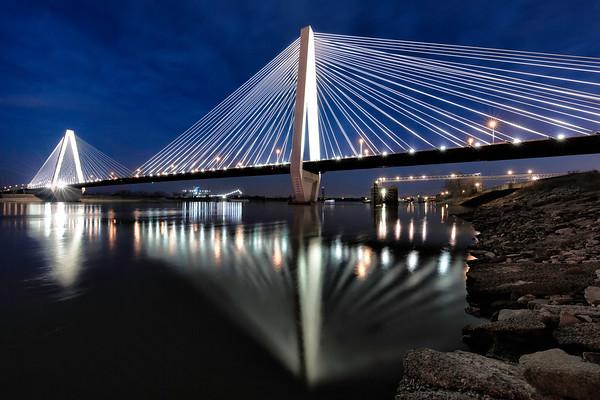 Stan Musial Veterans Memorial Bridge