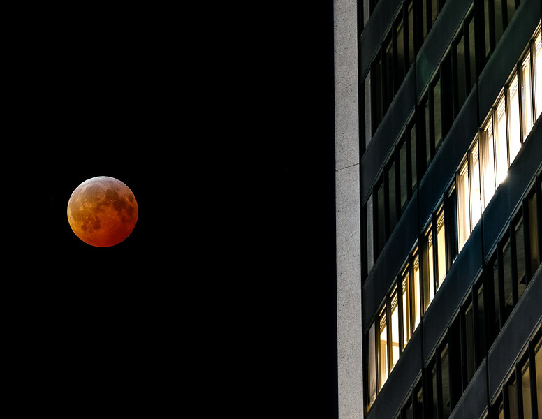 Super Blood Wolf Moon In The City
