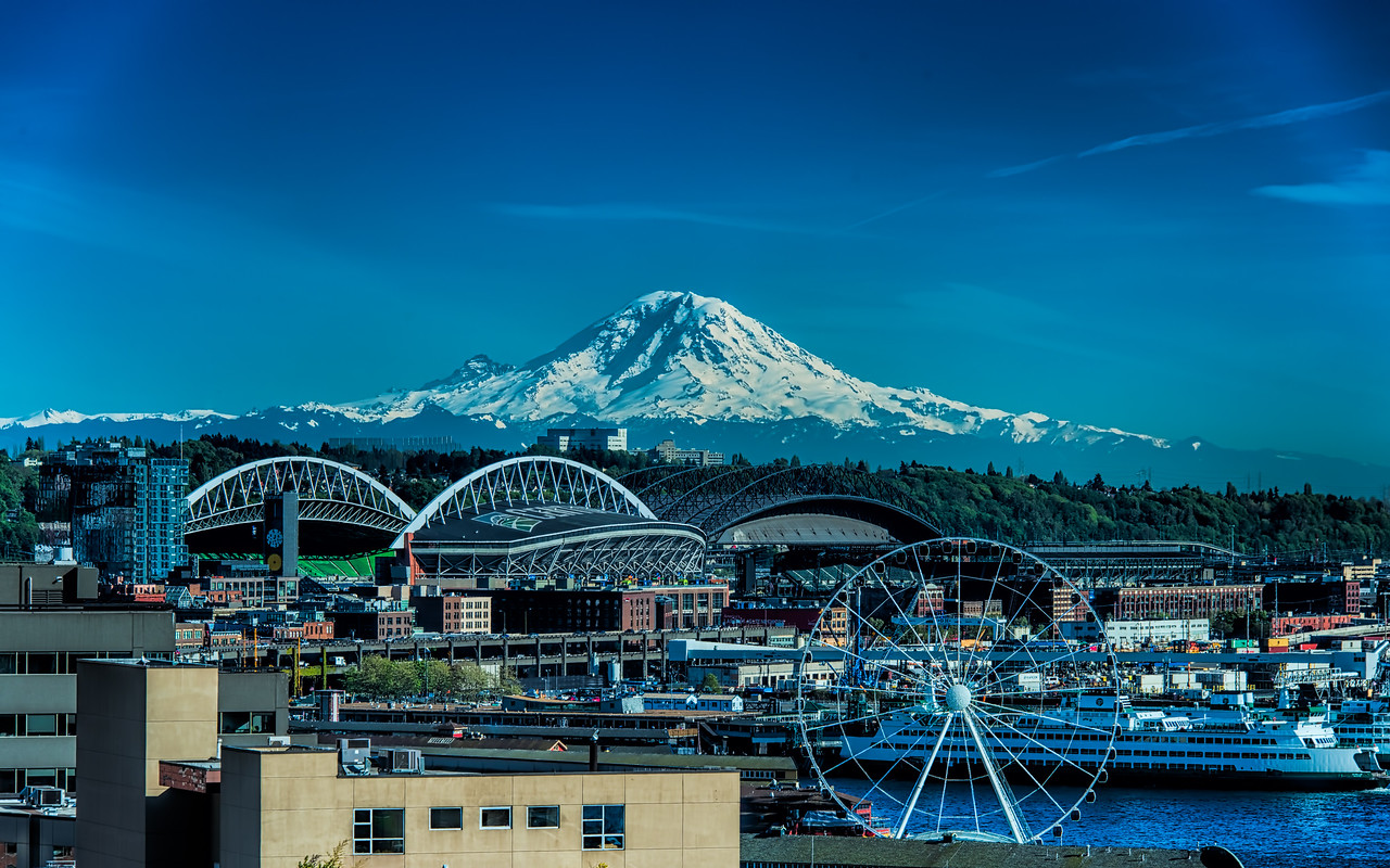 Mt Rainier on a Seattle Spring Day