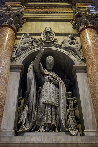 St. Peter's Basilica - Monument to Leo XII