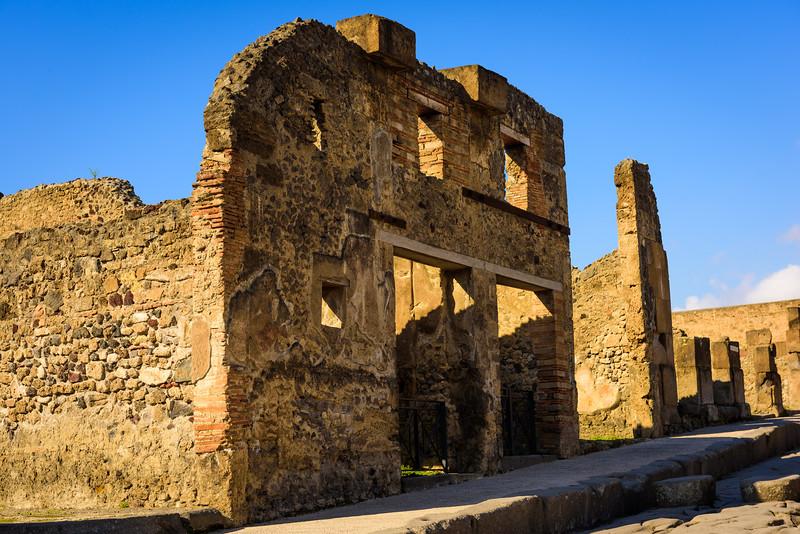 Pompeii Storefronts