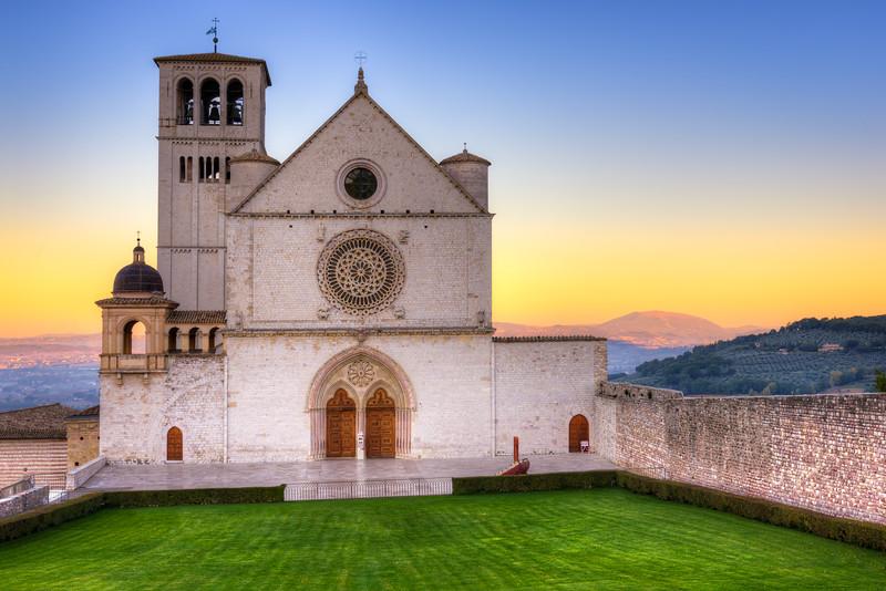 Basilica di San Francesco d'Assisi at Dawn