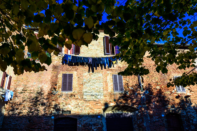 Airing Laundry in Buoncovento