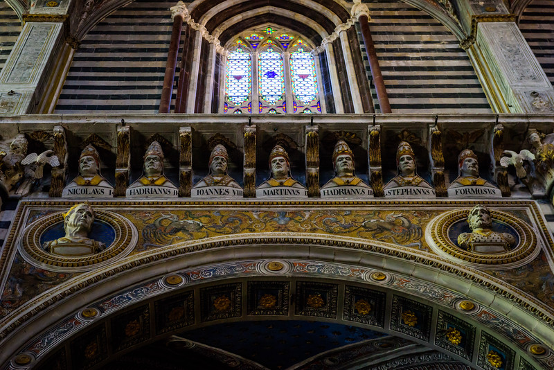 Duomo di Siena - Nave Arcade with Popes and Emperors