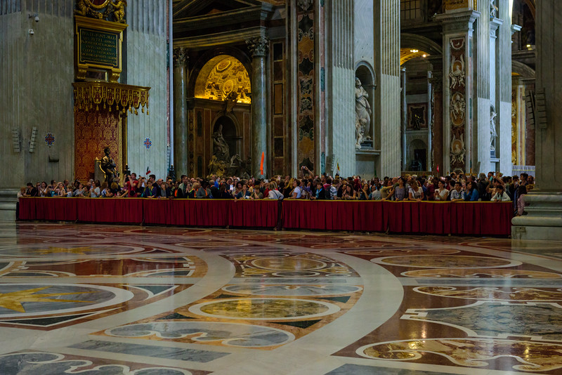 St. Peter's Basilica - Waiting at the Alter