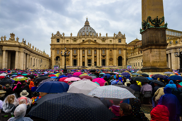A rainy Papal Audience