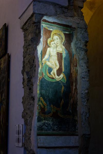 Basilica of the Crucifix - Column Art