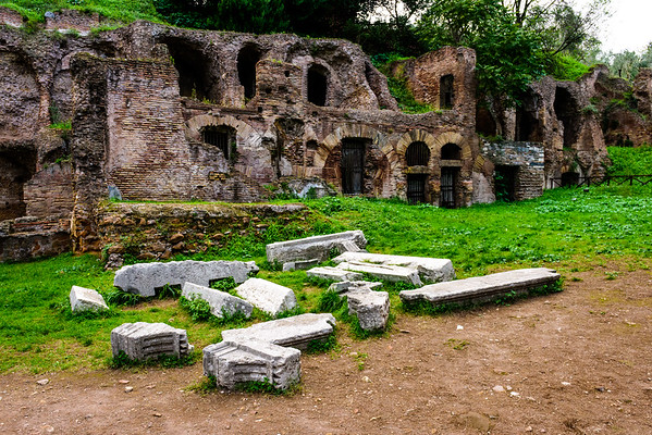 At the entrance to Palatine Hill, you'll find what used to be the servants' quarters for those who maintained the palaces.