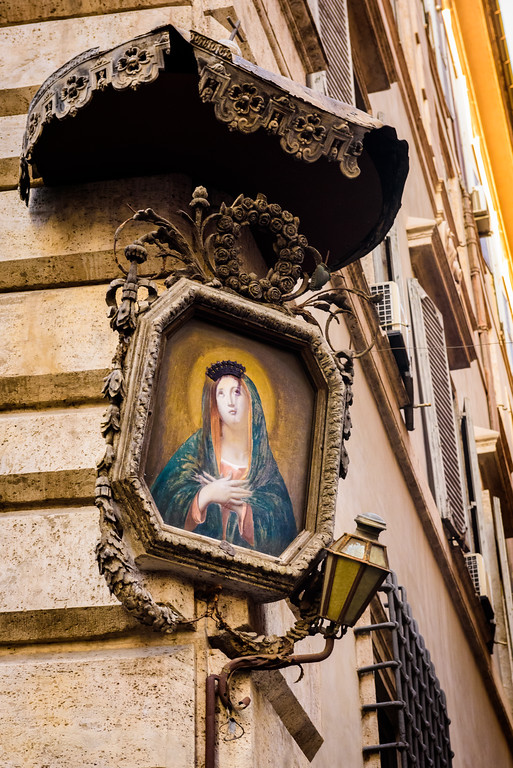 Icons like this are everywhere in Rome