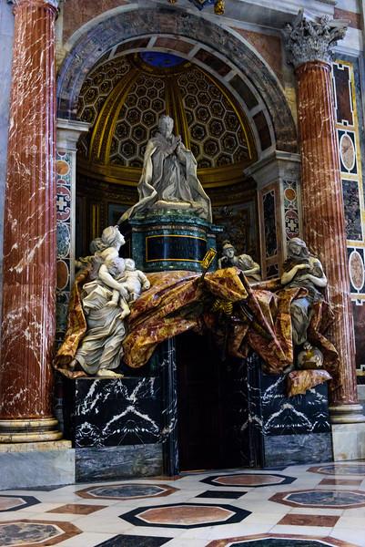 Monument to Alexander VII