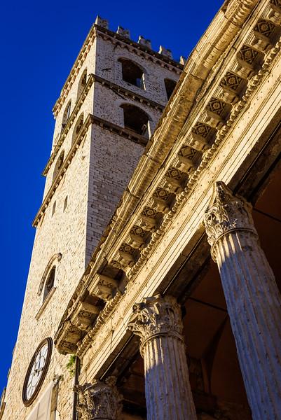 Duomo di San Rufino - Bug's-Eye View