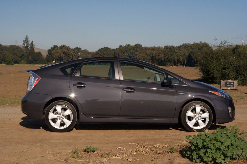 A side look at the 2010 Prius.