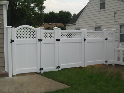 Hollingsworth Fence with Custom Gate