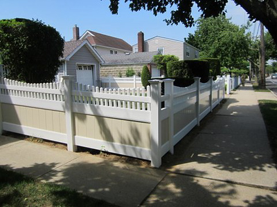 Almond and White Montauk Point Scallop Fence